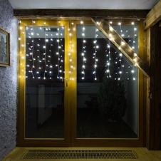 Vánoční dekorace na dveře