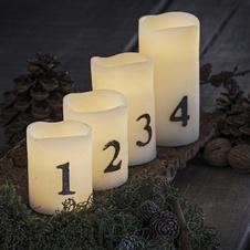 Vánoční výzdoba stolu s osvětlením na baterie